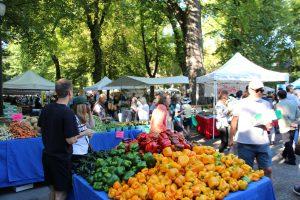 オーガニック野菜や果物のマーケット